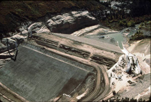 dam-building-continues-10-11-83